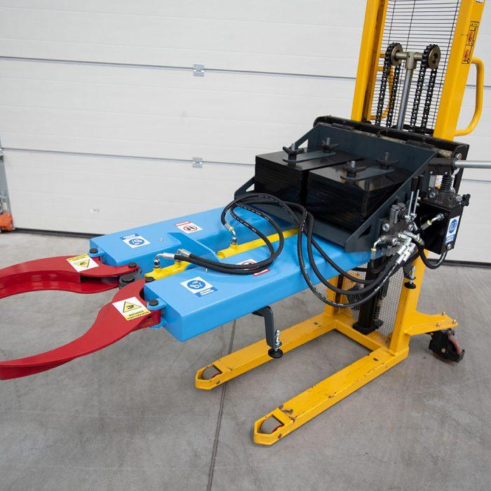 chwytak hydrauliczny na wózku masztowym